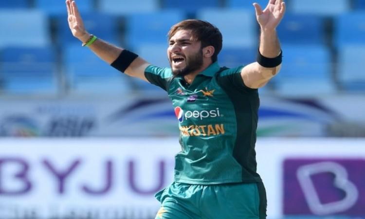 उस्मान खान और हसन अली की शानदार गेंदबाजी ने हांगकांग को 116 रनों पर रोका Images