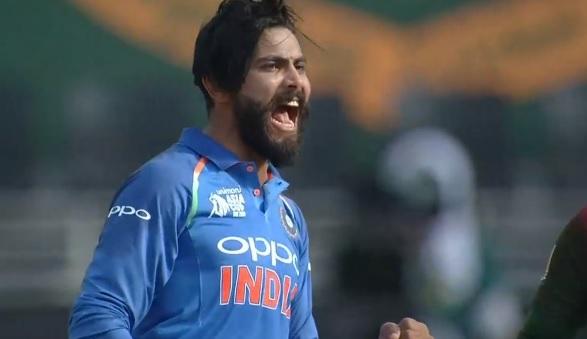 UPDATE वनडे में वापसी करते ही रवींद्र जडेजा ने मचाया धमाल, बांग्लादेश की पारी संकट में Images