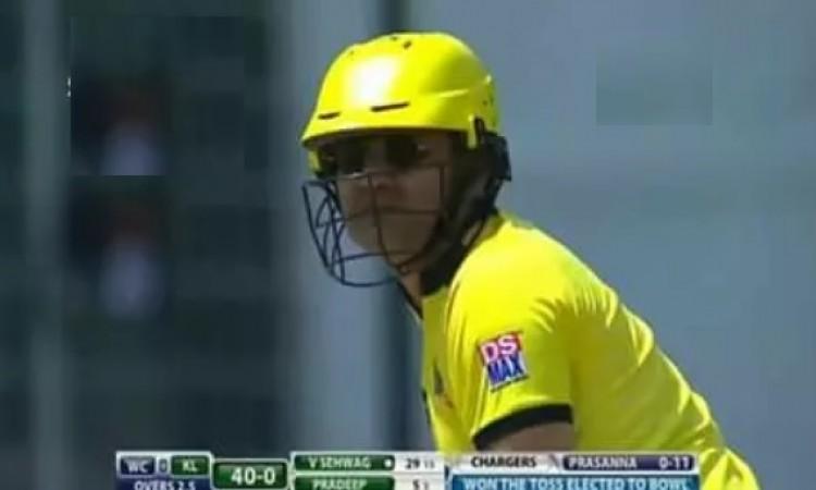 WATCH वीरेंद्र सहवाग ने इस क्रिकेट लीग में खेली फिर से धमाकेदार पारी, फैन्स बल्लेबाजी देख झुमने लगे