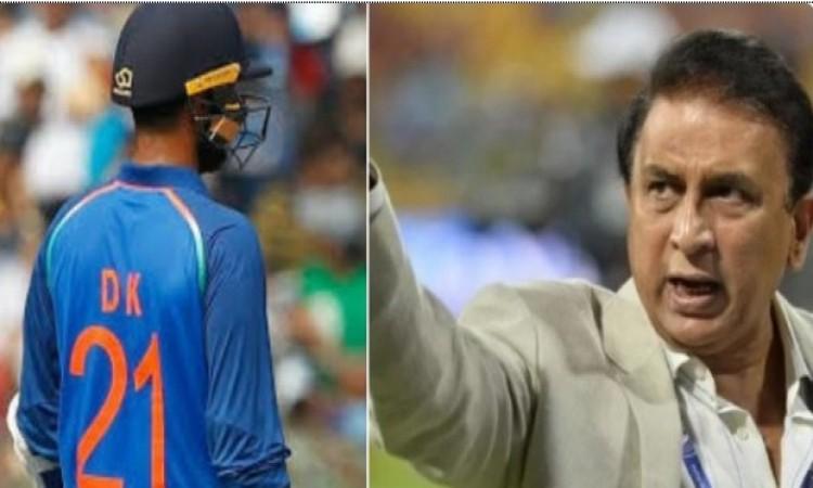 भारत - पाकिस्तान मैच के दौरान फखर जमान और दिनेश कार्तिक के इस बर्ताव पर भड़के गावस्कर Images