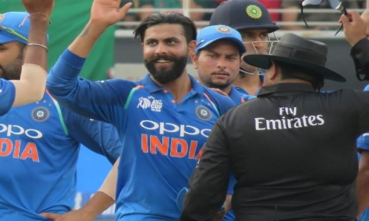 भारतीय गेंदबाजों की गेंदबाजी के कहर के आगे बेबस हुआ बांग्लादेश, भारत को 174  रन का टारगेट Images