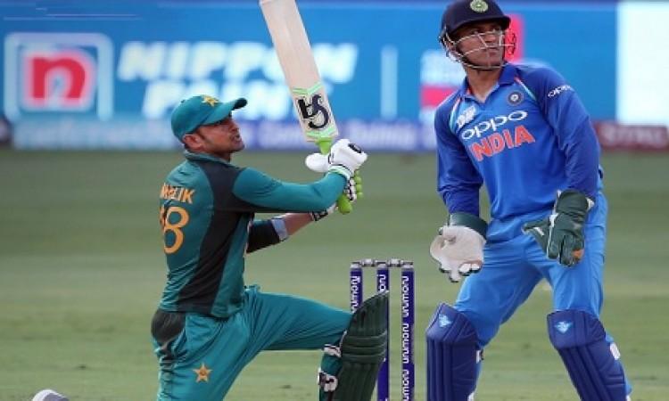 भारतीय गेंदबाजों के शानदार परफॉर्मेंस के कारण पाकिस्तान सिर्फ 237 रन ही बना सकी
