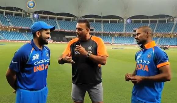 धवन और रोहित ने खोला राज, 210 रन की रिकॉर्डतोड़ साझेदारी के दौरान कर रहे थे आपस में ऐसी बातें Images