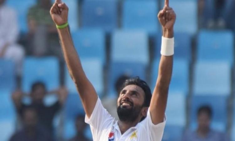 बिलाल आसिफ ने 6 विकेट लेकर कंगारू बल्लेबाजों को धूल चटाई, पाकिस्तान के पास  325 रनों की बढ़त Images