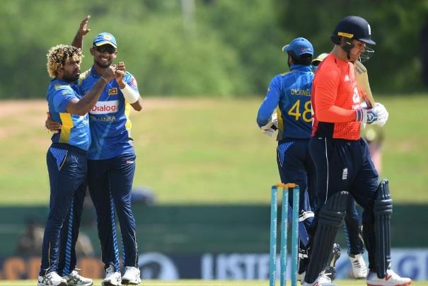 इंग्लैंड के खिलाफ दूसरे वनडे में लसिथ मलिंगा ने रचा इतिहास, 5 विकेट लेकर इस महान लिस्ट में हुए शामिल