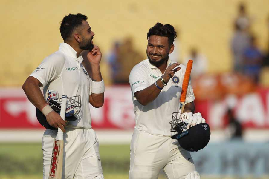Rajkot Indian Captain Virat Kohli And Rishabh Pant Return Back To The Pavilion After The First Days
