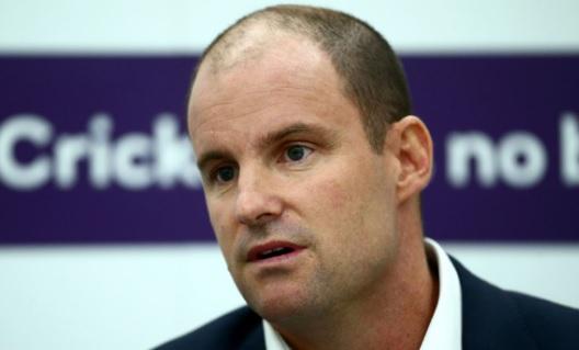 एंड्रयू स्ट्रॉस ने ईसीबी के निदेशक के पद से इस्तीफा दे दिया  Images