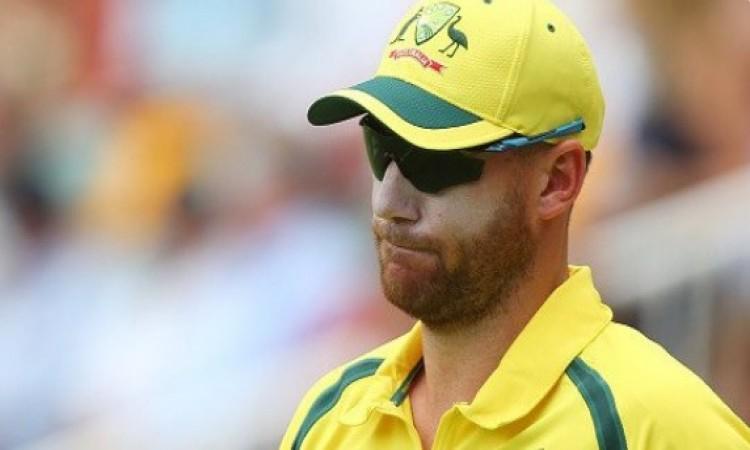 अभी - अभी आई दर्दनाक खबर, फेंफड़े की बीमारी के कारण खतरे में इस तेज गेंदबाज का क्रिकेट करियर Images