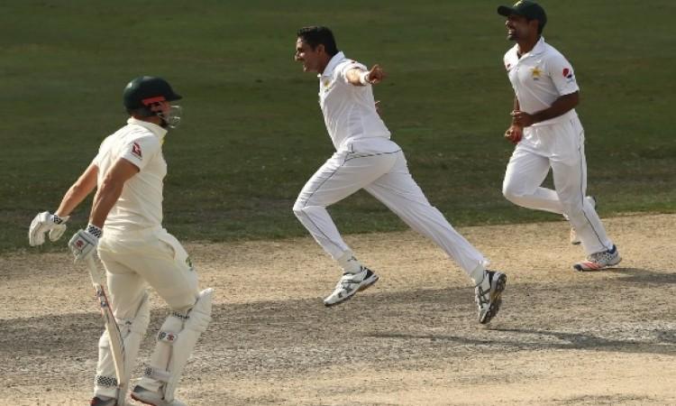 मैच रिपोर्ट: ऑस्ट्रेलिया के खिलाफ टेस्ट जीतने से पाकिस्तान केवल 7 विकेट दूर Images