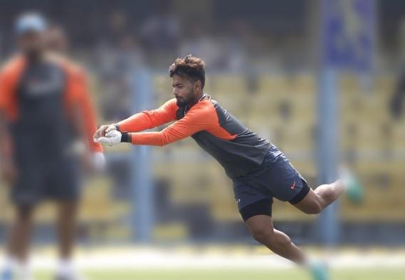 दूसरे वनडे के लिए ऋषभ पंत ने कर ली है तैयारी, नेट पर लगा रहे हैं कमाल के शॉट्स VIDEO Images