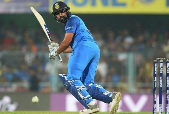रोहित शर्मा ने भी बनाया धमाकेदार शतक,  ऐसा कारनामा कर वनडे में किया खास कमाल Images