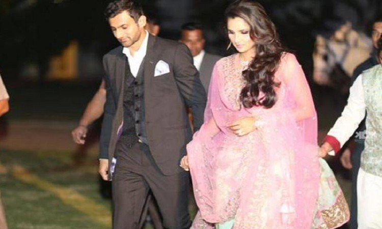 Sania, Shoaib blessed with baby boy Images