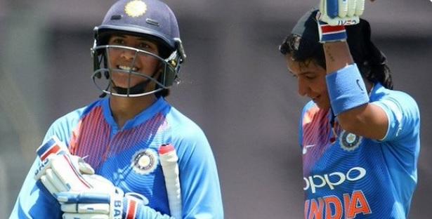 भारतीय महिला क्रिकेटर स्मृति मंधाना ने किया धमाका, केवल 40 गेंद पर 72 रन बनाकर कर दिया कमाल Images