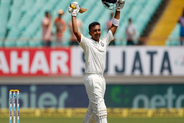 पृथ्वी शॉ टेस्ट करियर की पहली पारी में 134 रन बनाकर आउट हुए, ऐसा करने वाले केवल छठे खिलाड़ी बने Imag