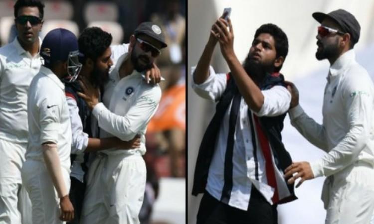 दूसरे टेस्ट मैच के पहले दिन कोहली से मैदान पर मिलने पहुंचा फैन, साथ में सेल्फी लेकर किस करने की करी