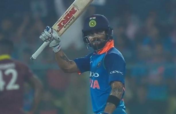 विराट कोहली ने वनडे में किया कमाल, सचिन तेंदुलकर की इस मामले में कर ली बराबरी Images
