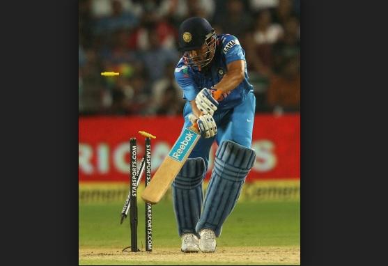 महान धोनी को बोल्ड करने वाला यह गेंदबाज निकला फिक्सिंग करने वाला, क्रिकेट जगत हैरान Images