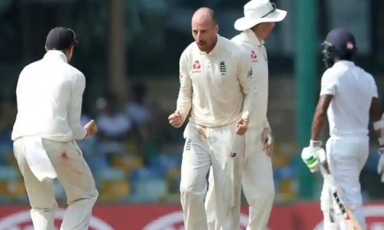 कोलंबो टेस्ट में इंग्लैंड की जीत, श्रीलंका का सीरीज में 3- 0 से सूपड़ा साफ Images