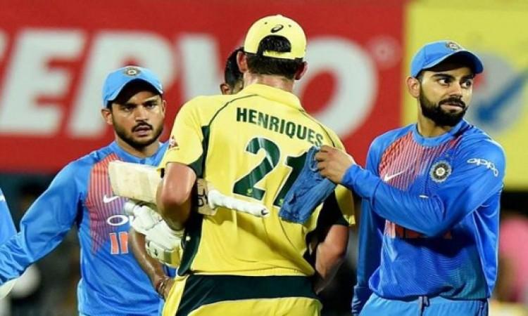 ऑस्ट्रेलिया- भारत टी-20 सीरीज को लेकर चौंकाने वाला फैसला, अहम गेंदबाजों को किया टीम से बाहर Images