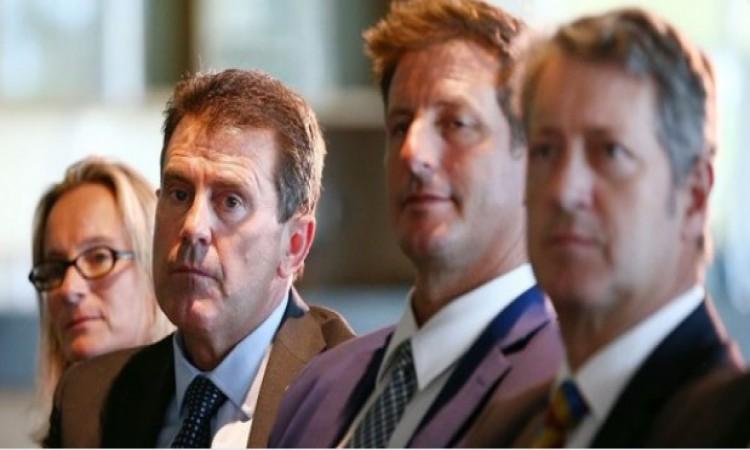 आस्ट्रेलिया क्रिकेट बोर्ड को झटका, इस दिग्गज को छोड़ा निदेशक का पद Images