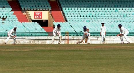 रणजी ट्रॉफी में सिक्किम ने नागालैंड को 9 विकेट से हराया, गेंदबाज ईश्वर चौधरी ने किया कमाल Images