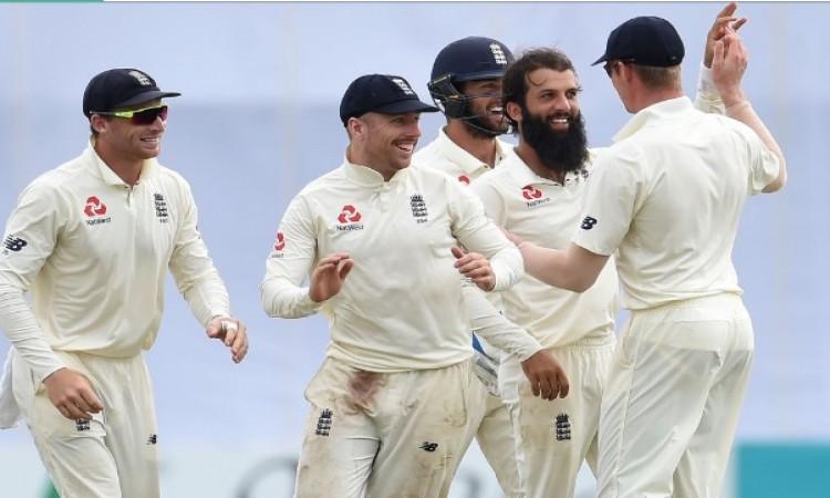 मोइन अली और जैक लीच की गेंदबाजी के कहर के आगे बबस हुआ श्रीलंका,  211 रनों से मिली हार Images