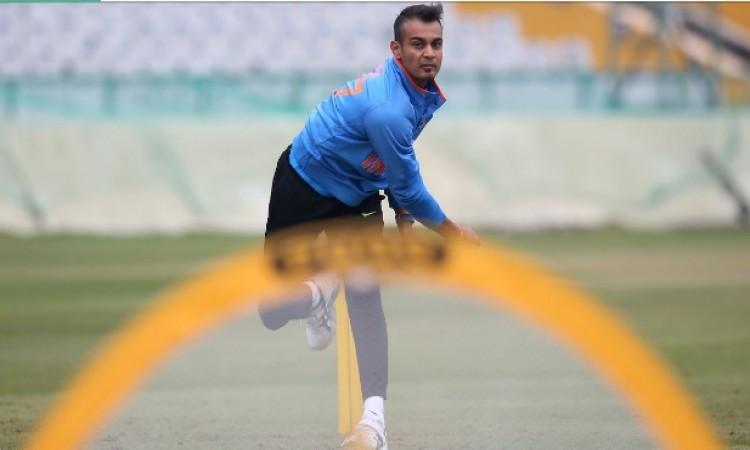 वेस्टइंडीज के खिलाफ तीसरे टी-20 के लिए भारतीय टीम में बदलान, इस तेज गेंदबाज को किया गया शामिल Images