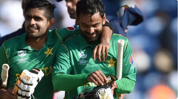 बाबर आजम और शादाब खान ने तीसरे टी-20 में किया कमाल, न्यूजीलैंड को मिली 47 रनों से हार Images