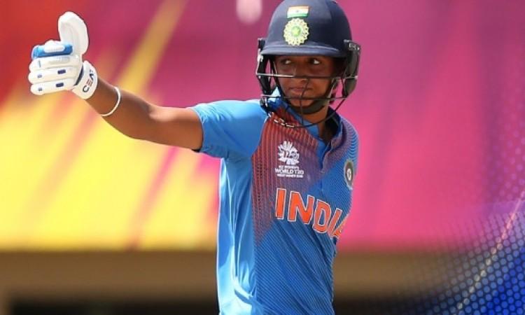 महिला वर्ल्ड टी-20 में शतक जमाकर कमाल करने वाली हरमनप्रीत कौर ने दिया ऐसा खास बयान Images