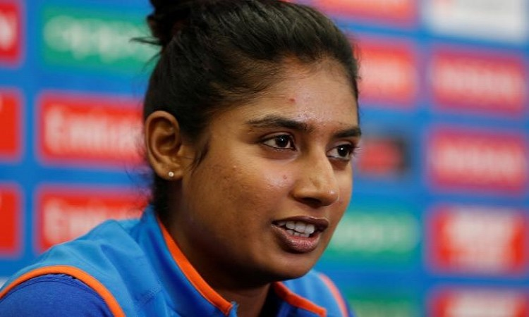 Mithali Raj's manager hits out at 'manipulative' Harmanpreet Images