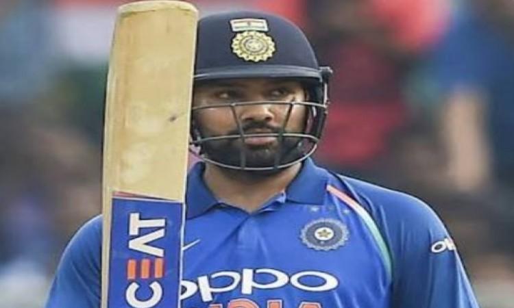 रोहित शर्मा ने टी-20 इंटरनेशनल में तोड़ दिया विराट कोहली का रिकॉर्ड, कर दिया बड़ा कमाल Images