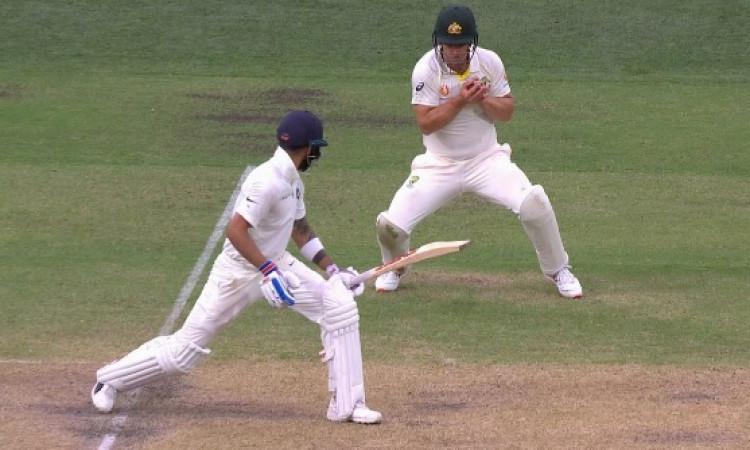 विराट कोहली को आउट कर नाथन लियोन ने बनाया रिकॉर्ड, ऐसा कमाल करने वाले पहले गेंदबाज बने Images