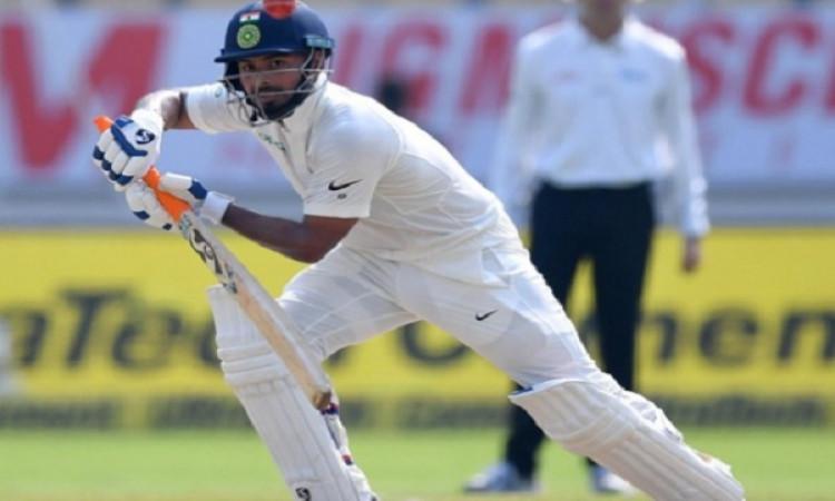 ऑस्ट्रेलिया के खिलाफ अपने पहले टेस्ट मैच की पारी में ऋषभ पंत ने किया ऐसा बेजोड़ कमाल Images