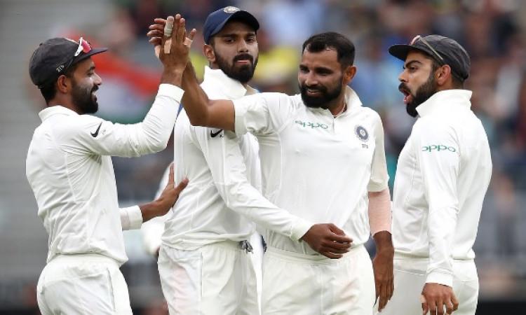 मोहम्मद शमी ने टेस्ट क्रिकेट में बना दिया खास रिकॉर्ड, साल 2011 के बाद कोई भारतीय तेज गेंदबाज ऐसा कर