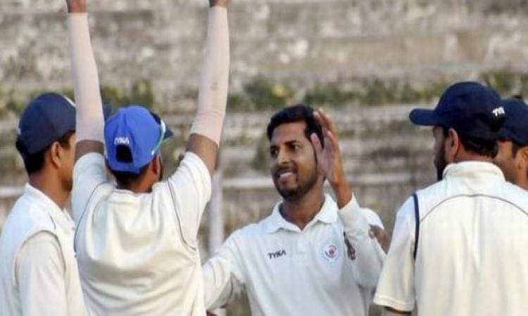 बिहार के स्पिनर आशुतोष अमन ने रणजी ट्रॉफी में रच दिया इतिहास, 44 के पुराने रिकॉर्ड को तोड़ दिया Imag
