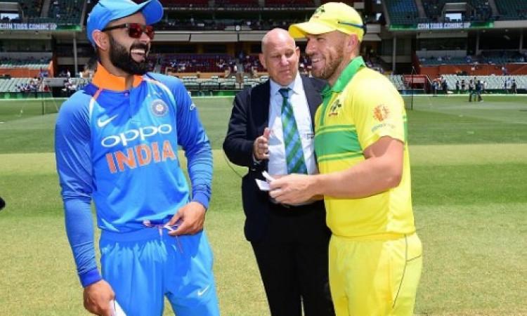 तीसरा वनडे: बारिश के कारण मैच रूरा, जानिए कब शुरू होगा दोबारा मैच UPDATE Images