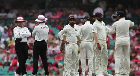 सिडनी टेस्ट: खराब रोशनी के कारण मैच रूका, जानिए कब शुरू हो पाएगा मैच UPDATES Images