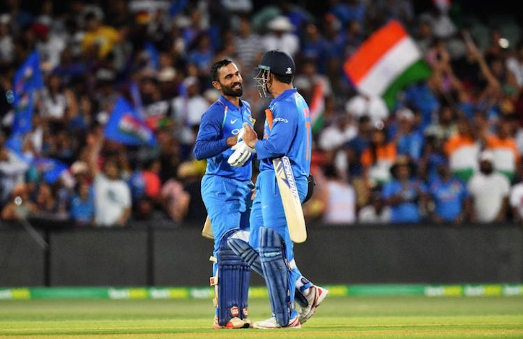 Dinesh Karthik MS Dhoni Images in Hindi