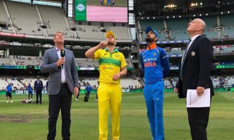 तीसरे वनडे में भारत ने टॉस जीतकर पहले फील्डिंग करने का फैसला किया, भारतीय टीमें एक साथ 3 बदलाव Image