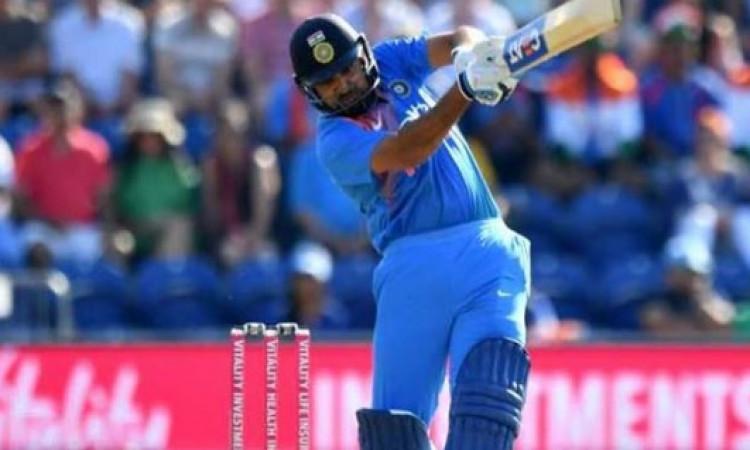 रोहित शर्मा का अर्धशतक, लगातार 2 मैच में अर्धशतक जमाकर बना दिया ऐसा कमाल का रिकॉर्ड Images