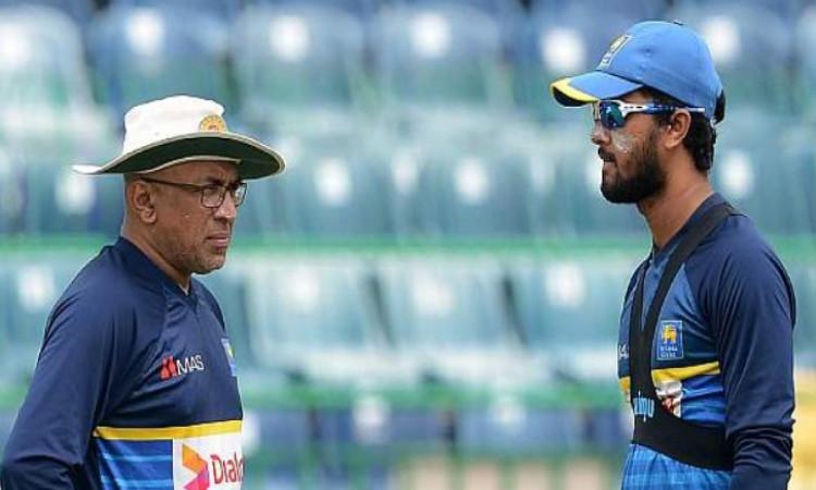 श्रीलंका क्रिकेट टीम के कोच चंडिका हाथुरुसिंघा को झटका, उनके खिलाफ श्रीलंकाई बोर्ड ने लिया ऐसा फैसला