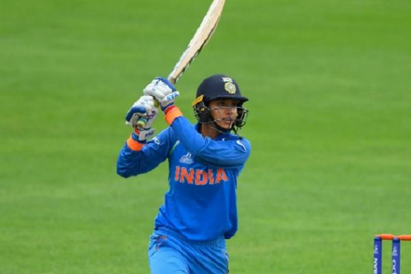 न्यूजीलैंड के खिलाफ पहले वनडे में स्मृति मंधाना का धमाकेदार शतक, भारतीय महिली की 9 विकेट से जीत Imag