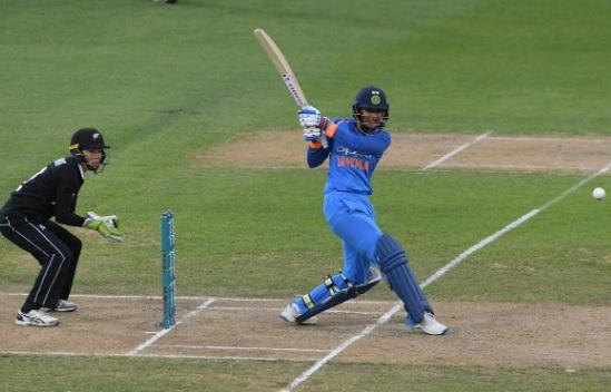 स्मृति मंधाना ने मचाया धमाका, 90 रन की तूफानी पारी खेलकर भारत को 8 विकेट से दिलाई जीत Images