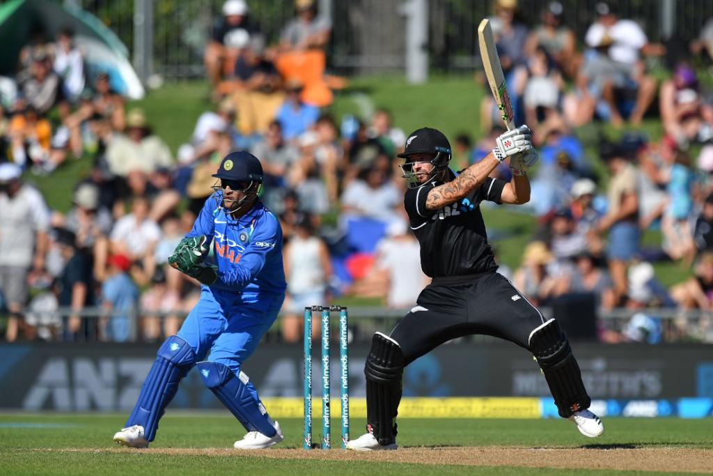 2nd ODI: India hammer NZ by 90 runs, go 2-0 up Images