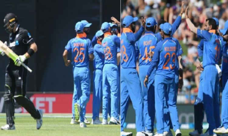 न्यूजीलैंड 157 रन पर आउट, भारत के खिलाफ वनडे में कीवी टीम ने बनाया ऐसा निराशाजनक रिकॉर्ड Images