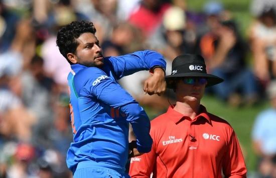 कुलदीप यादव की फिरकी में नाचे कीवी बल्लेबाज, न्यूजीलैंड की धरती पर कर दिखाया ऐसा अनोखा कमाल Images