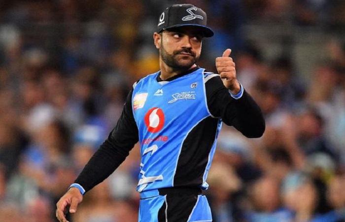 पिता के निधन के बावजूद मैच खेलने उतरे राशिद खान Images