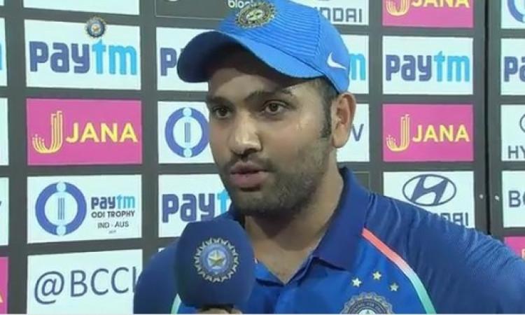 वनडे में शर्मनाक हार के बाद रोहित शर्मा भड़के, कही बल्लेबाजों ने लुटिया डुबोई Images