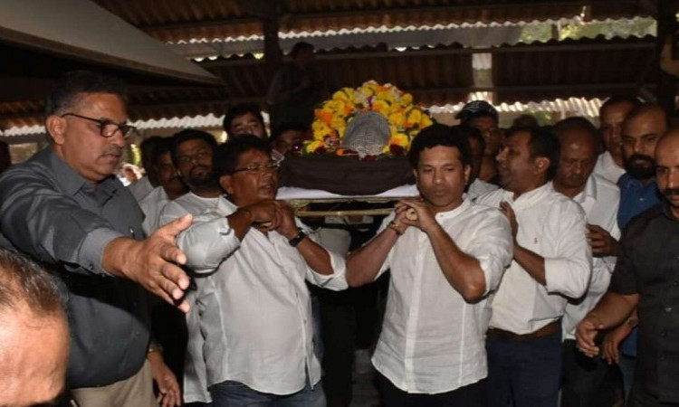 Tearful adieu to legendary cricket coach Ramakant Achrekar Images