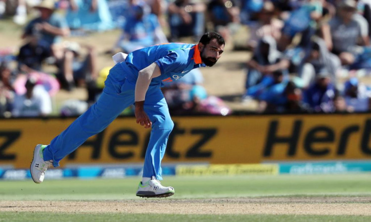 3rd ODI: Clinical India outclass New Zealand to clinch series Images